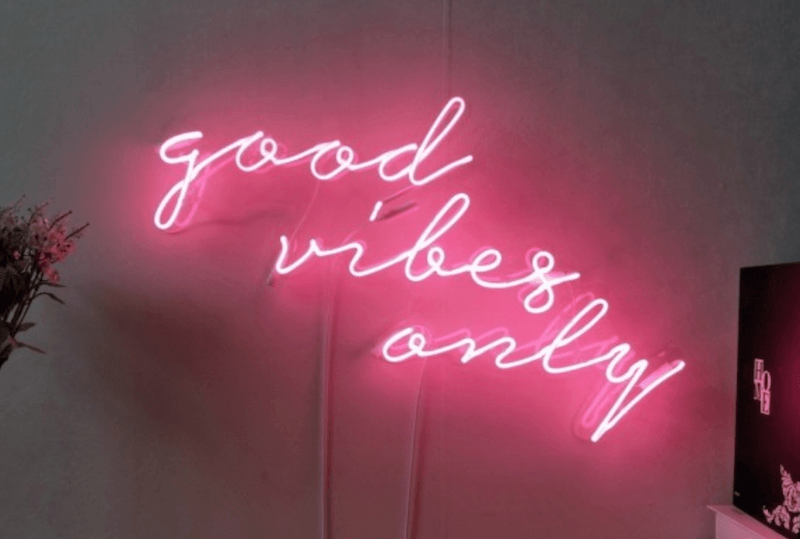 good-vibes-only-neon-sign