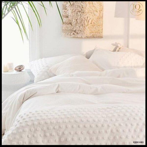 white-bedding-for-dorm-room