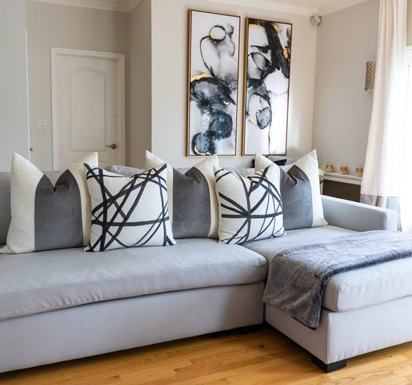 gray-chaise-sofa-in-contemporary-living-room-800x560