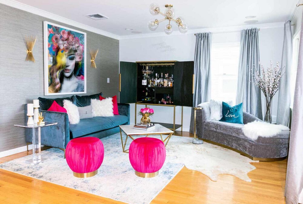 iq-design-living-room-with-grasscloth-wallpaper-1500.jpg