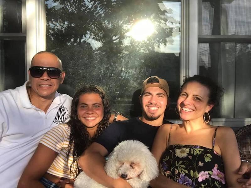 nicole-dela-cruz-family-photo