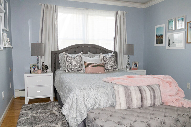 white-and-gray-bedroom-with-tufted-velvet-bench